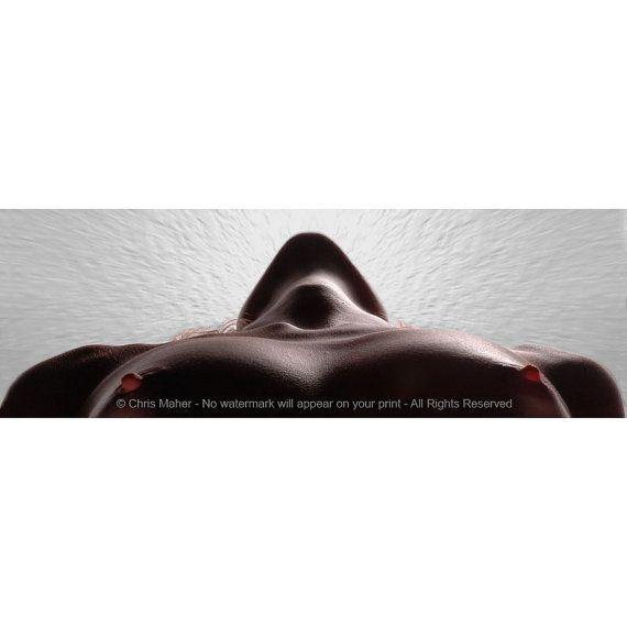 5338-LB Krachtige Vrouw Sterke Schouders Gloeiende Tepels Sensuele Erotische Bedroom Decor Badkamer Kunstwerk Slim Foto Getekend Chris Maher