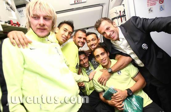 Juventus-Campioni-d-Italia-2012-juventus-30752455-555-364.jpg (555×364)