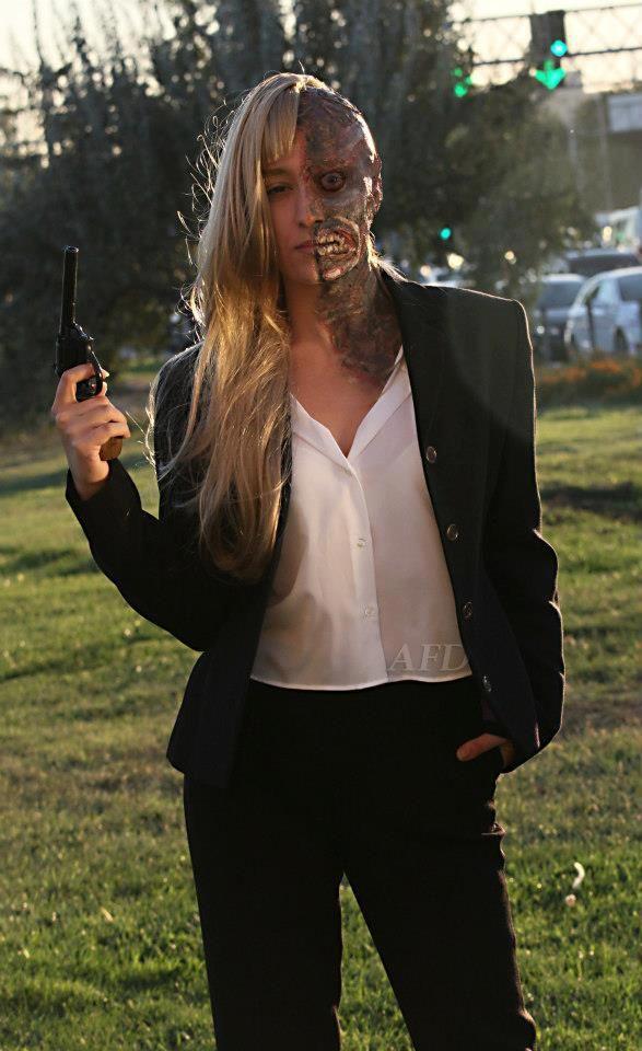 Harvey Dent - Two Face Cosplay (Gender Bender) #batman #darknight Cosplayer: Ninsu Kahraman Make Up: Matildox FX Photograph: Peter Parke