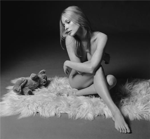Photographers Gallery - Sharon Tate by Terry O'Neill Killed by Mason's Maniacs... Gone too soon