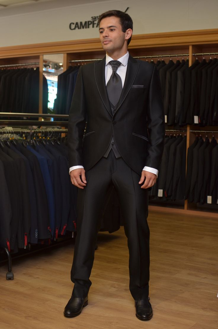 Enzo Romano customizado, este modelo no existe en catálogo, se hizo a la carta con los tejidos seleccionados por el cliente.
