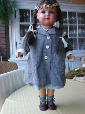 schöne dekorative Puppe von Emaso, 55 cm, sehr ausgefallene und aufwendig gefertigte Kleidung, u....,schöne Puppe von Emaso, 55 cm, ausgefallene Kleidung in Recklinghausen - Recklinghausen