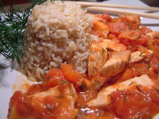 kurczak w salsie pomidorowo- paprykowej z ryżem