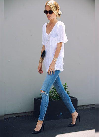 オーバーサイズ白Tシャツ×ジーンズのコーディネート(レディース)海外スナップ | MILANDA
