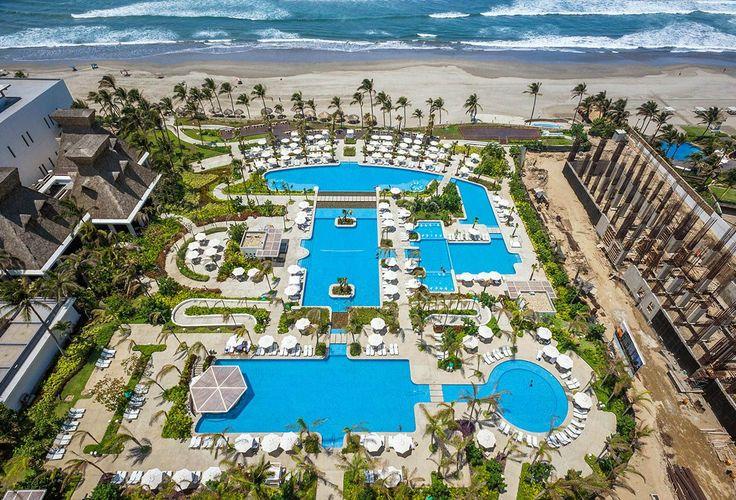 An overlooking view of the Playa pool at the Mayan Palace resort at Vidanta Acapulco! || Acapulco, Mexico