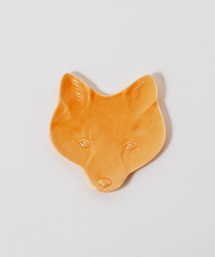 This playful fox head will keep all your trinkets safe. Made from Porcelain. | huntingforgeorge.com