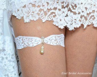 Wedding Clothing, Wedding Garter Set, Lace Garte Set, Off White Garter, Rhinestone Garter, White Bridal Garter, Bridal Garter, Toss Garter