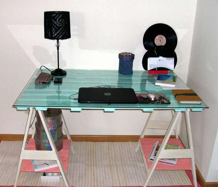 Secretária com madeira de paletes : Desks by Armazém 9