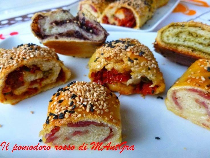 Il Pomodoro Rosso di MAntGra: Rotolini di pane farciti