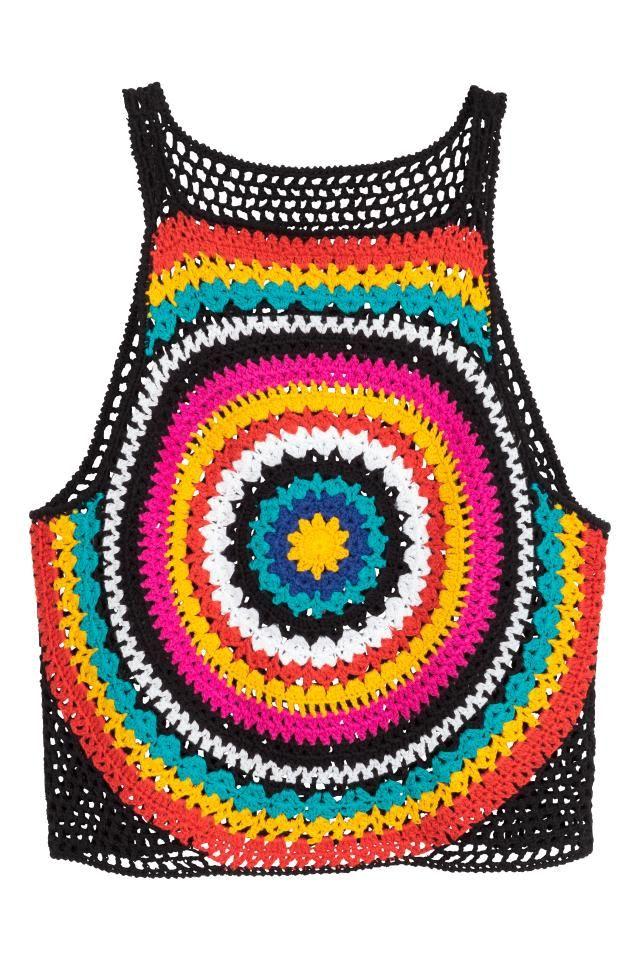 Top de alças em crochet: Top curto em crochet de algodão macio com alças finas e costas de cor lisa.