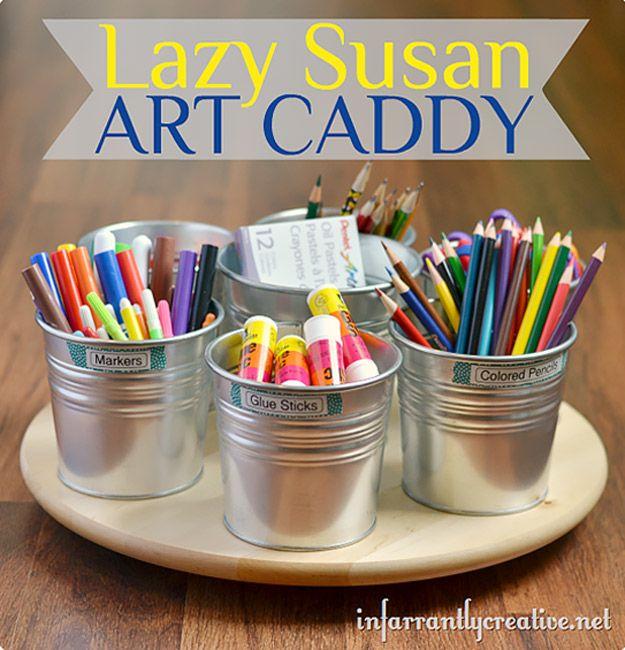 DIY Craft Ideas de habitaciones y de arte del sitio Proyectos Organización - Lazy Susan Art Caddy - Cool Ideas para hacerlo por sí artesanía de almacenamiento - tela, papel, bolígrafos, herramientas creativas, artesanía suministros y nociones de costura   http://diyjoy.com/craft-room-organization