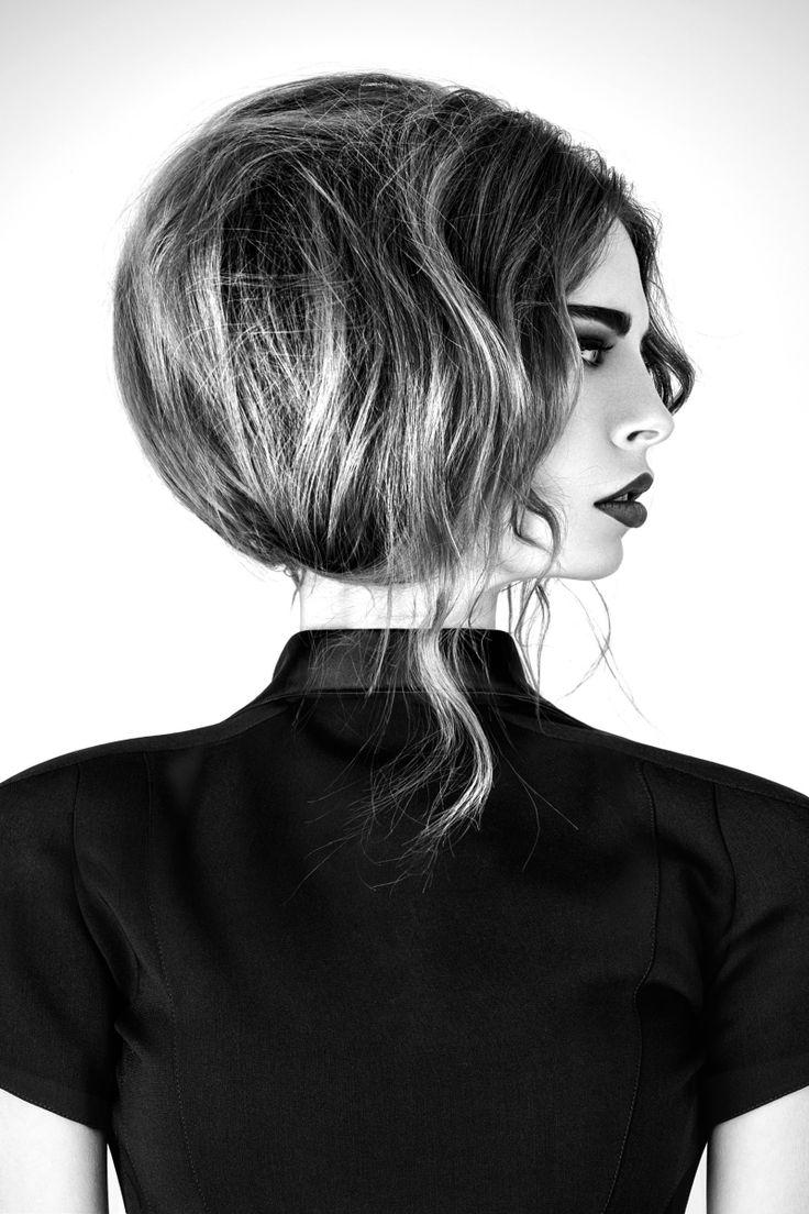 Les Hairdressing Awards, organisés depuis maintenant 7 ans en France récompensent  le talent et la créativité des pros de la coiffure.   Maison Gérard Laurent Artiste Coiffeur  27 rue Abbé Justin Bour 57600 Forbach Tél 03.87.13.26.54  92 rue de Turenne 75003 Paris Tél 01.42.77.70.43  Photographer : Patrick Kuchno Hair : Gérard Kuchno & Laurent Delafoy