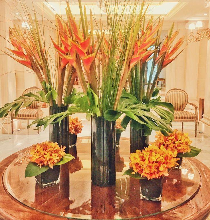 My summer mood is still on  yours? #kinggeorgeathens #journeygreece #katerinastraveldiary #flowers