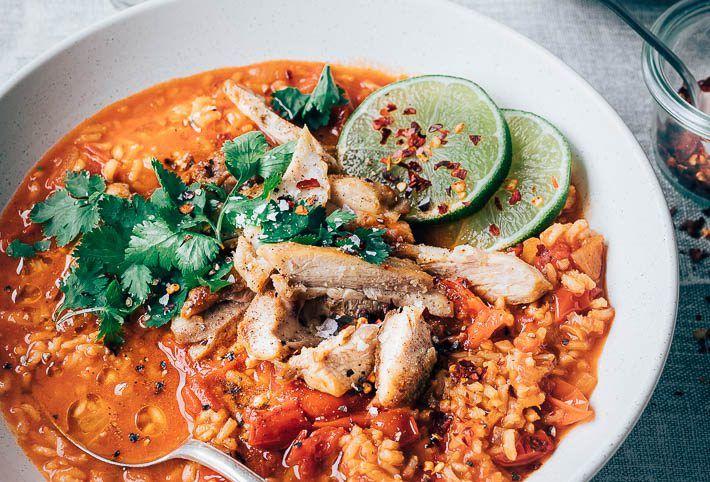 Rijstsoep Met Rode Curry En Kip Uit Pauline S Keuken Recept Rijstsoep Gezonde Maaltijden Maaltijd