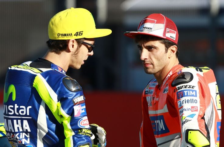 Valentino Rossi con Andrea Iannone and on the seventh day we race