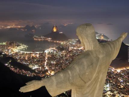 La Estatua del Cristo Redentor, una de las 7 maravillas del mundo.