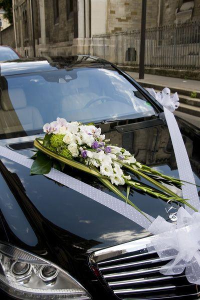 Capot de voiture de fleurs et d 39 eau fra che triel mariage bourgeois voiture pinterest - Decoration voiture de mariee ...