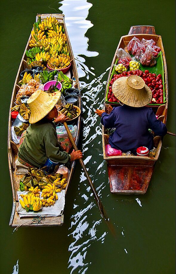 the amphawa floating market of benefit tourism essay 6 markets in bangkok you should not miss  another market is amphawa market, local's favorite for vintage floating market serves as a day trip from bangkok.