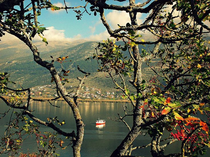 TRAVEL'IN GREECE | Ioannina lake, #Epirus, #Greece, #travelingreece