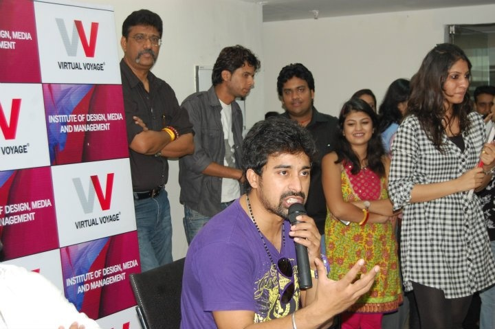 Ranvijay visited VV full on with students about his experiences!