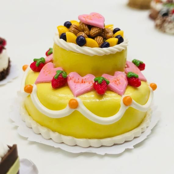 Dolls House Miniature Miniatures Food Cakes Sweets Birthday Cake
