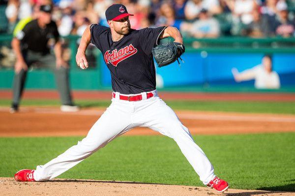 La gemma di Kluber ed un back-to-back HR mantengono gli Indians al comando Corey #Kluber torna a splendere in casa contro i Tampa Bay #Rays ultimando un complete game shutout con sole tre valide subite. La tribù segna sei punti per aggiudicarsi la serie. Su MLB Italia