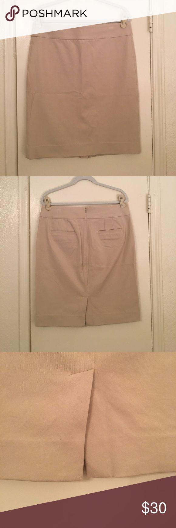 Khaki Pencil Skirt Stretch Khaki Pencil Skirt, zip back, pockets! Banana Republic Skirts Pencil