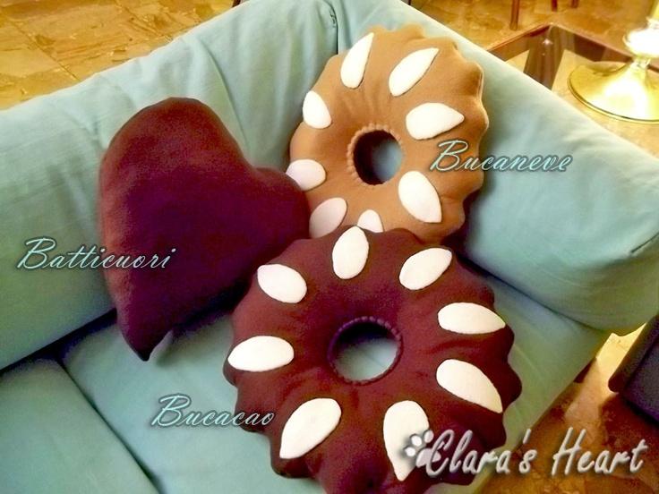 Cuscini biscotto - Bucaneve, Bucacao e Batticuori