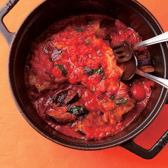 豚スペアリブと唐辛子の辛い煮込み