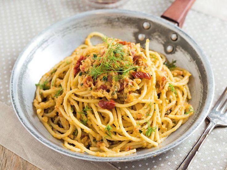 Spaghetti con crema di melanzane e pomodori secchi