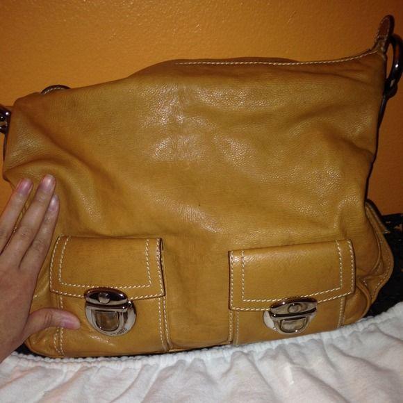 Authentic Marc Jacob Leather Handbag  Sale  7/6 Tan leather with Sliver hardware Marc Jacob Medium Size Handbag  Marc Jacobs Bags