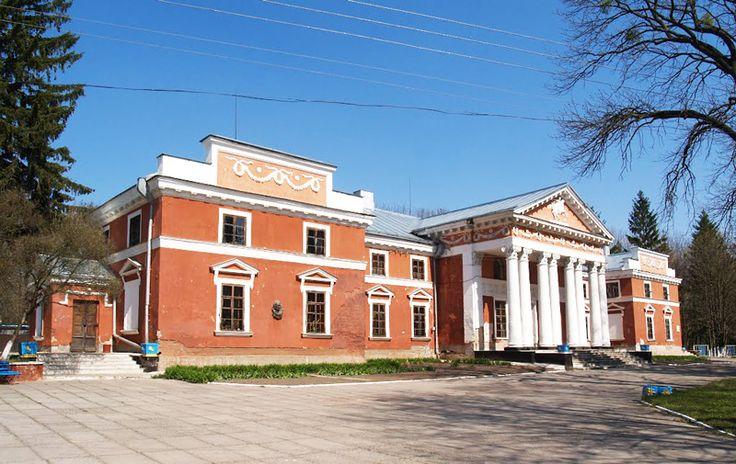 Є на Житомирщині одне цікавеньке село Верхівня. А відоме й цікаве воно своїм палацом в стилі ампір, який належав польським аристократам Ганським.
