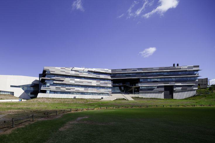 Galeria de Complexo de Ciências e Núcleo Esportivo e de Aprendizado Comum da Universidade de Victoria / John Wardle Architects - 1
