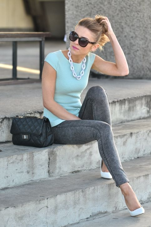 Baby Blue, Mint Green Shoes, 80S Jeans Outfit, What Not To Wear Outfit, Soft Colors, Raybansunglasses Rayban, Casual Peplum Outfit, 80S Style, Chunky Necklaces