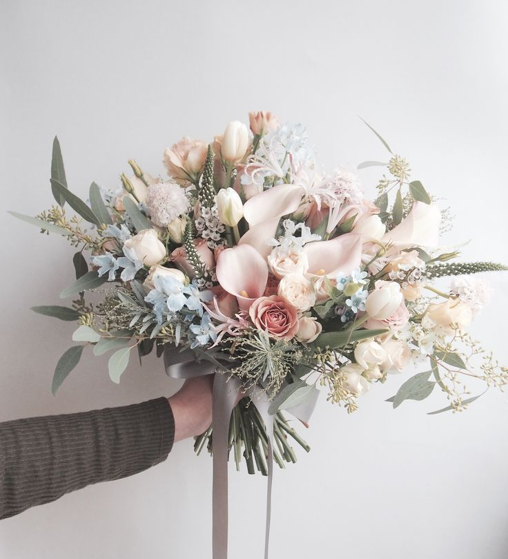 Loving Calla Lillies In Bouquets These Days Florals For Less Has Some Amazing Artif Rustic Wedding Flowers Bouquet Hand Bouquet Wedding Flower Bouquet Wedding
