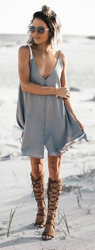#boho #fashion #spring #outfitideas | Grey swing dress + gladiators