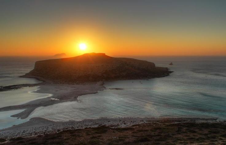New Day ... New Light ... A Splendid Weekend!  We Love Crete!  www.cretetravel.com  By Giannis Fountoulakis  #Balos #WestCrete #Chania #Crete #Travel #Ferry #Boat #Sea #Sunset