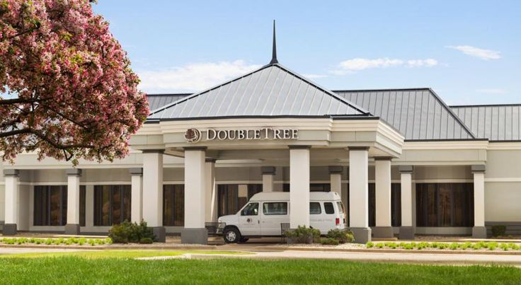 DoubleTree by Hilton Detroit Novi Novi Twelve Oaks Mall is within 5 minutes from this hotel in Novi, Michigan. It features an indoor pool and guest rooms include free Wi-Fi and an iPod docking station.