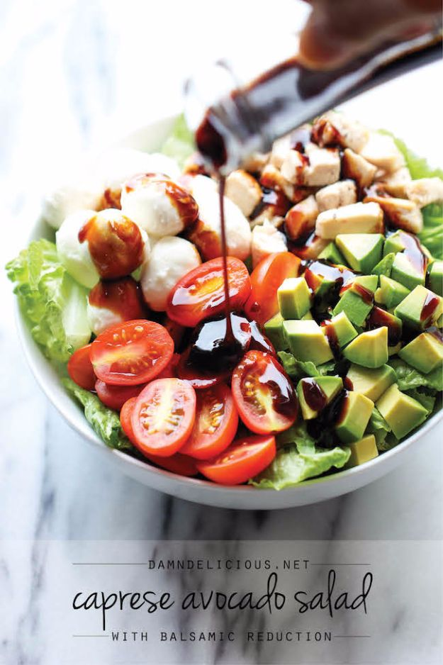 Healthy Lunch Ideas for Work - Caprese Avocado Salad - Quick and Easy Recipes You Can Pack for Lunches at the Office - Lowfat and Simple Ideas for Eating on the Job - Microwave, No Heat, Mason Jar Salads, Sandwiches, Wraps, Soups and Bowls http://diyjoy.com/healthy-lunch-ideas-work
