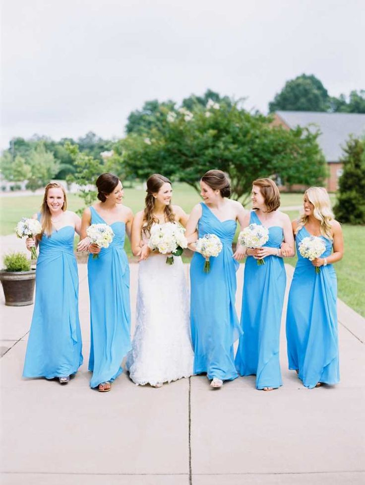 bridesmaids in Carolina #blue | Graham Terhune Photography on The Lovely Find