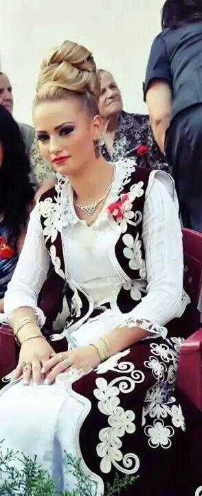 Sandzak bride