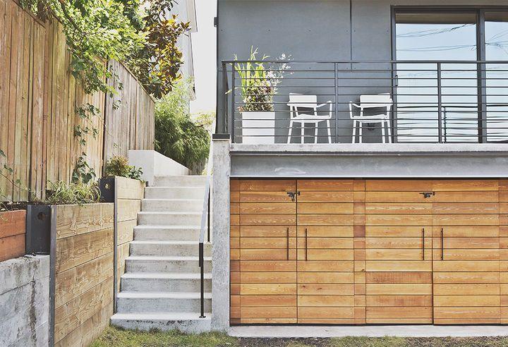 Best 25 under deck storage ideas on pinterest deck for Garage under deck
