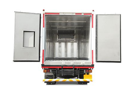 http://www.eicherreefertrucks.in/reefer-container/ Reefer Container Unique combination of customized Carrier Oasis refrigeration unit along with Suraksha MS PUF container