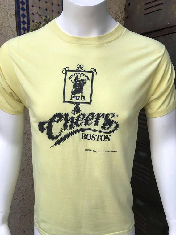 Vintage Cheers TV Show Boston Bull and Finch Pub T-Shirt Short