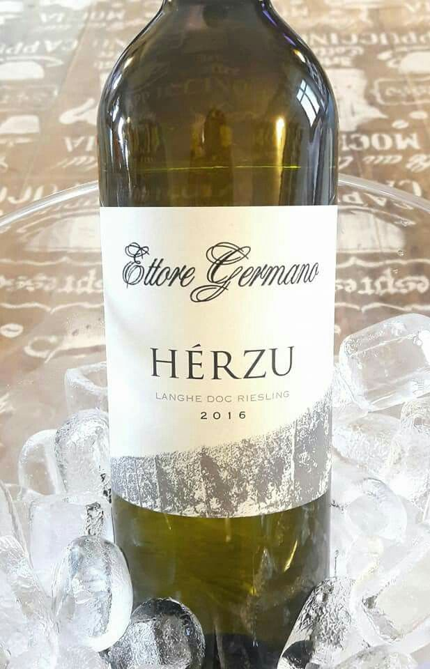 Herzu Reisling White wine by Ettore Germano