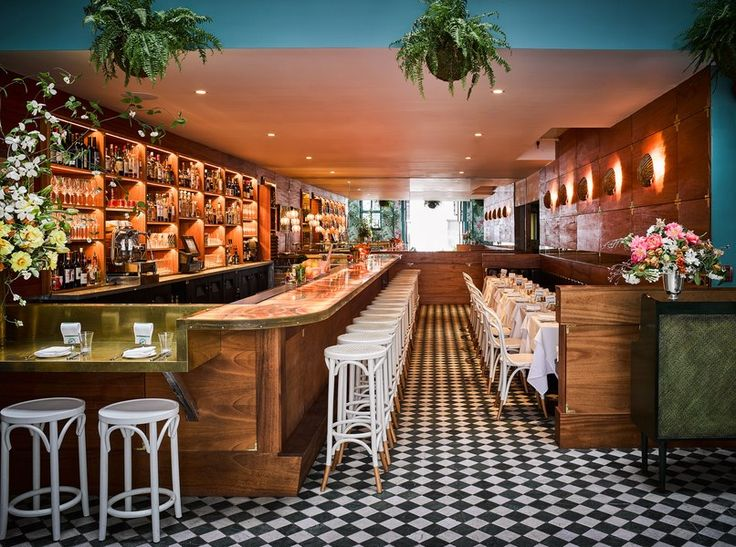 The Weekender Travel | Leo's Oyster Bar