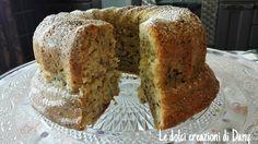 Il Ciambellone panna e nocciole è una ciambella gustosa, ideale a colazione, merenda ottima da servire ai bambini per feste di compleanno....
