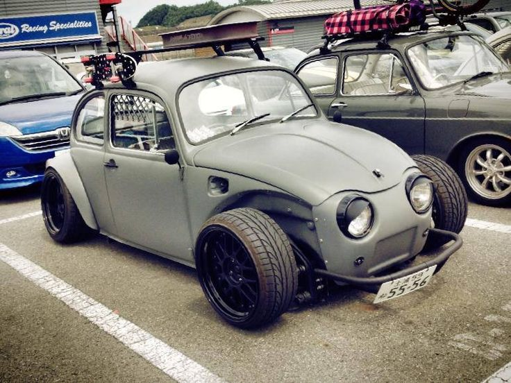 I've always had a weird thing for lowered Baja bugs. I'd install front fenders and a fuel door and nix the roof rack and eyebrows.                                                                                                                                                      Más