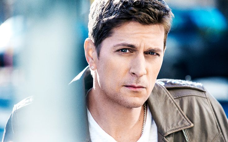 """Rob Thomas knows his way around writing a hit. Over his 22-year career with Matchbox Twenty and as a solo artist, the singer has topped the charts with songs like """"3 a.m."""" and """"Lonely No More,"""" lent his chops to artists including Tom Petty and Willie Nelson, and, of course, co-wrote and sang on """"Smooth,"""" the 1999 Santana song that Billboard deemed the second-most popular in the history of the Hot 100."""