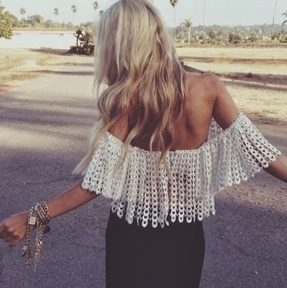 How to Chic: LACE OFFSHOULDER TOP